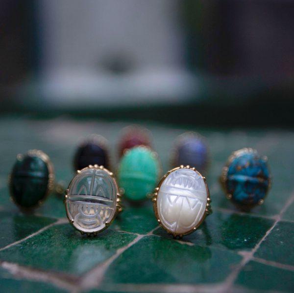 Bague gros scarabée pierre