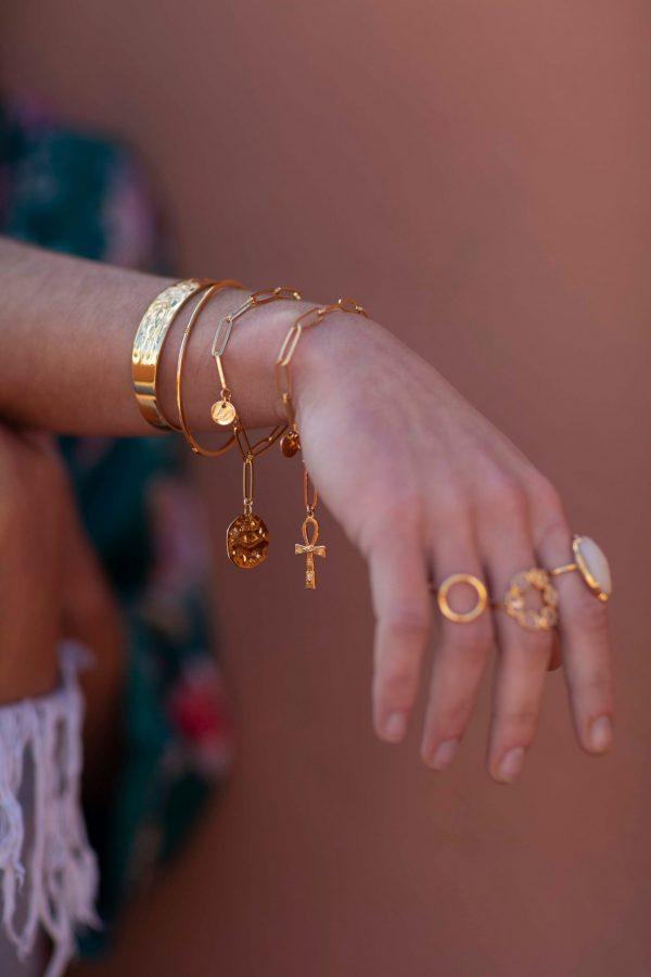 Bracelet grosse chaîne et médaille
